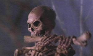 army_of_darkness_bone_blowing